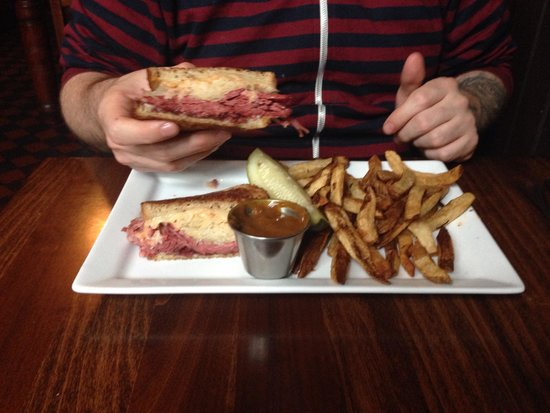 Ri Ra Irish Pub: The Ruben.