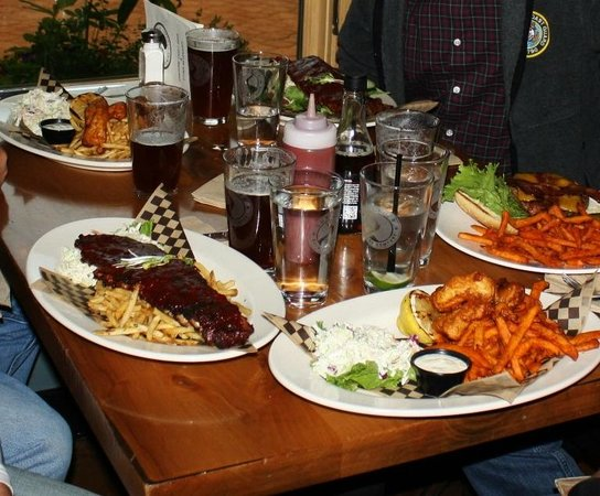 Sunriver Brewing Company: SunRiver Brew House.   Beer-Food-Pairing at its best!