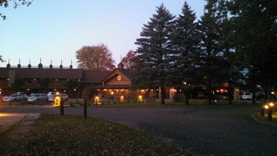 The Shack Bed and Breakfast: Outside main building