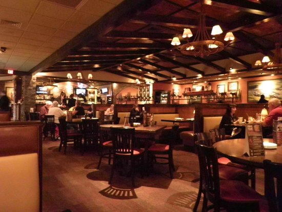 LongHorn Steakhouse: Inside Dining Areas.