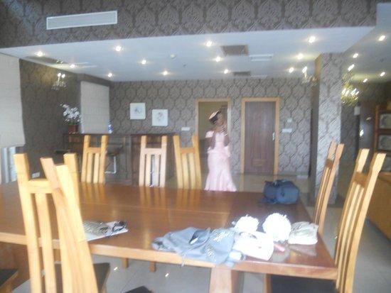 Lagos Oriental hotel : Dining/Bar area
