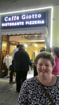 Ristorante Caffe Giotto: outside the cafe