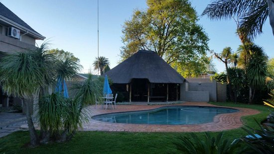 Sandalwood Guest House : The pool area