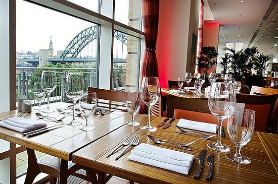 Windows on the Tyne Restaurant: Lunchtime with amazing view