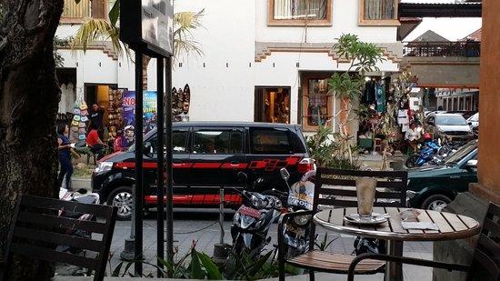 Pasar  Ubud: 市場の入口