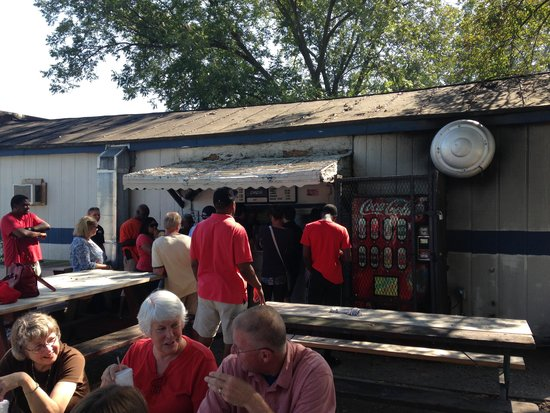 B's Barbecue: Shacks can be the best source of good BBQ