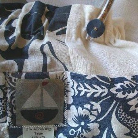 Original T Bag Designs Detail On Handle