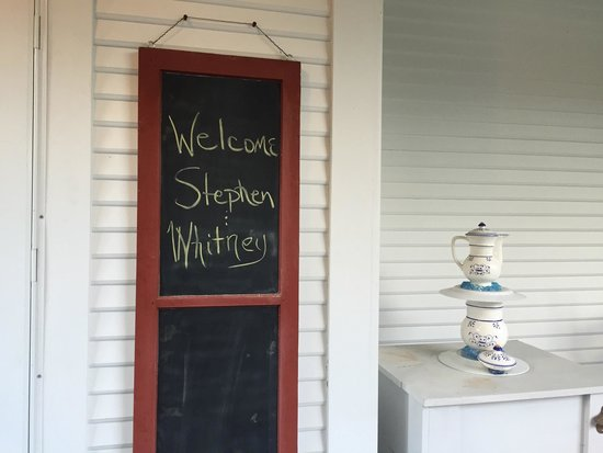 Lindsay House Bed and Breakfast: A warm welcome!