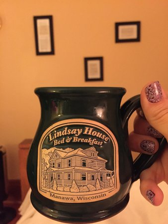Lindsay House Bed and Breakfast: Coffee, anyone? I know a great place!