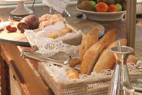 Hotel Ciutat de Girona: Desayunos