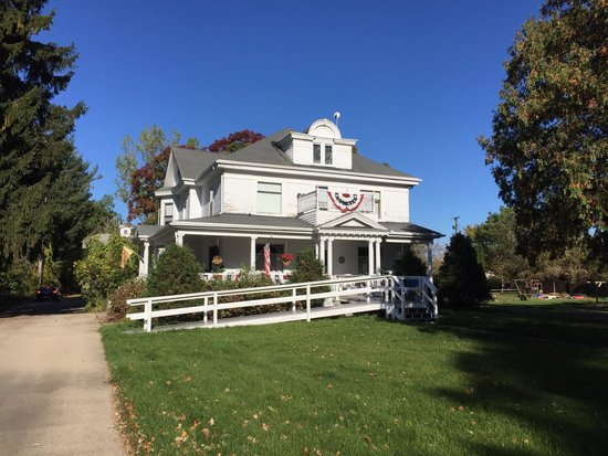 Manawa, WI: The lovely Lindsay House B&B