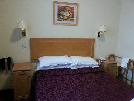 The Sandringham Hotel: Lovely quality bedroom