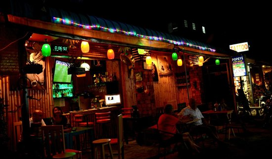 Popeye Guesthouse: dreambar by night