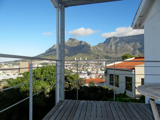 Upperbloem: Table Mountain view from private balcony