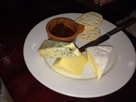 """Royal Oak Inn: """"talk about cheese & biscuits"""""""