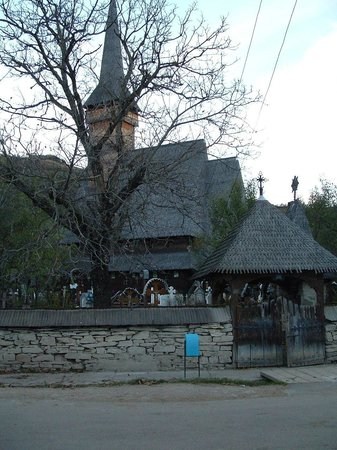 Wooden Churches of Maramures: IEUD autre église