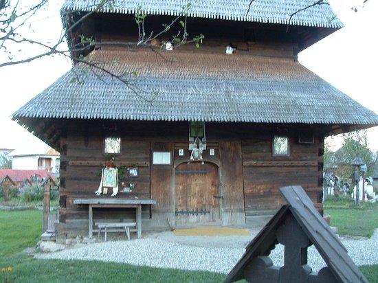Wooden Churches of Maramures: eglise de Ieud détail