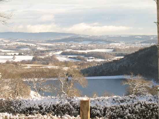 Upper Grippath Farm Holiday Cottages: winter view from the cottages