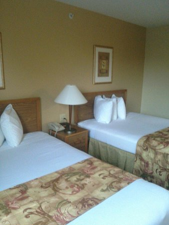 MainStay Suites Brentwood: Double beds