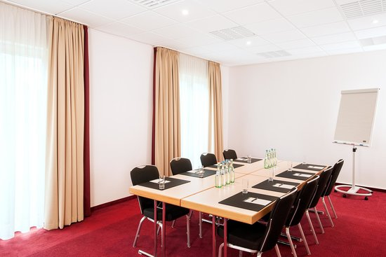 NH Berlin Potsdam Conference Center: Meeting Room
