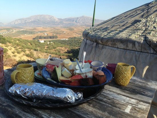 Alora Yurts: Continental breakfast by the yurt