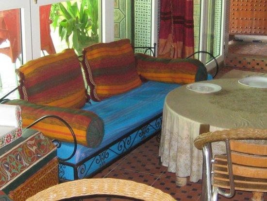 Bab Al Madina: INTERNO1