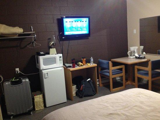 Anchor Riverfront Motel: Main Room