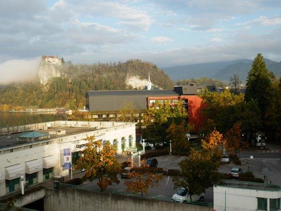 Kompas Hotel Bled: Blick vom Balkon im 1. Stock