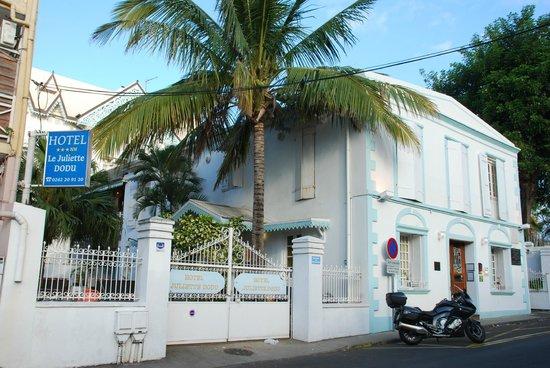 Le Juliette Dodu : Vue extérieure de l'hôtel, Rue Juliette Dodu