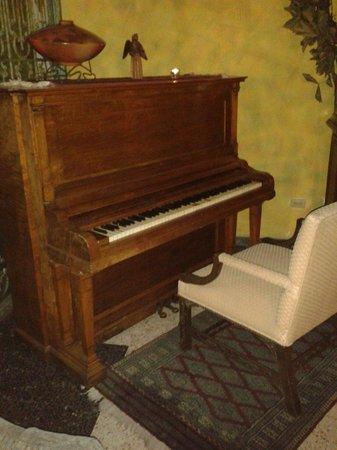 Hotel Portal del Angel: Hermoso piano planta baja