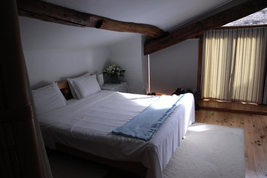 Les Bruyeres: The First Floor Bedroom