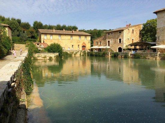 terme bagno vignoni bagno vignoni central thermal pool