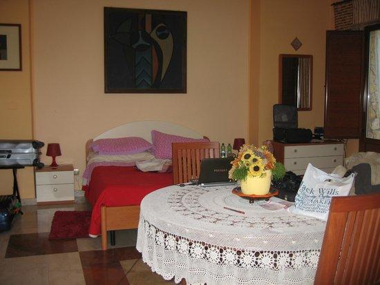 Villa Casablanca B&B : BEDROOM IN VILLA CASABLANCA