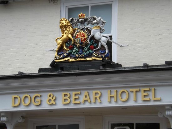 Dog & Bear Hotel: Queen Anne stayed here