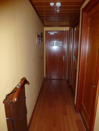 Best Western Plus City Hotel: Hallway