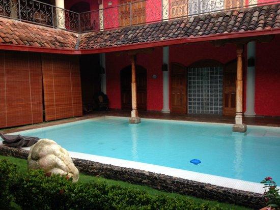 Hotel Casa del Consulado: Atrayente piscina