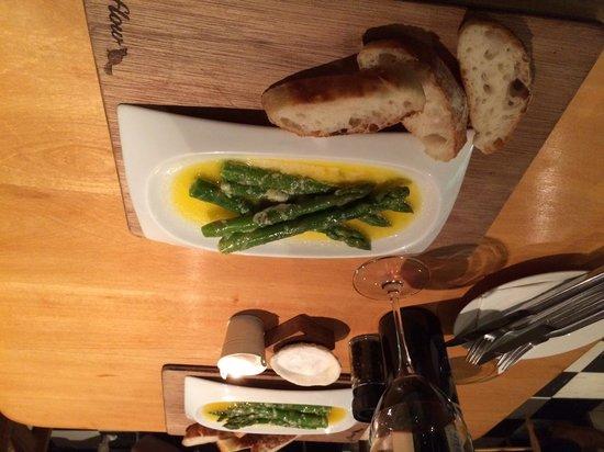 Cafe Des Arts: Asparagus with Parmesan Butter Starter