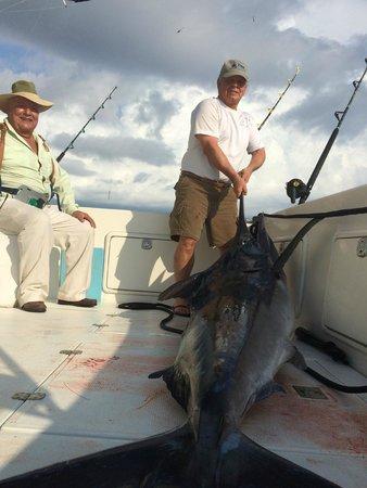 Tres Amigos: Marlin Negro 160 kg, cerca de Yelapa