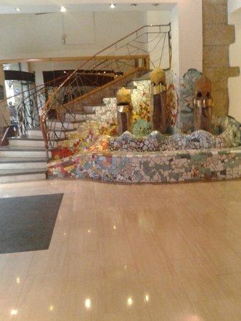 Hotel Gaudi: Reception lobby