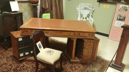 Haunted Hannibal and Historic Tours : Stillwell desk