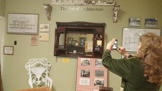Haunted Hannibal and Historic Tours : Stillwell Mirror