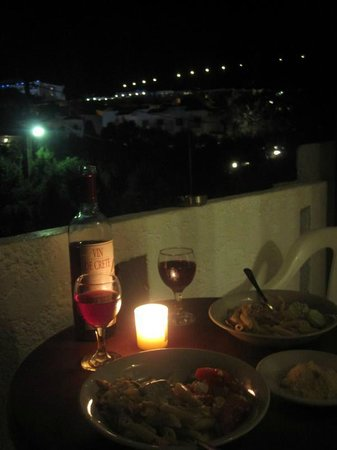 Villa Vicky Apartments : Dinner on our balcony