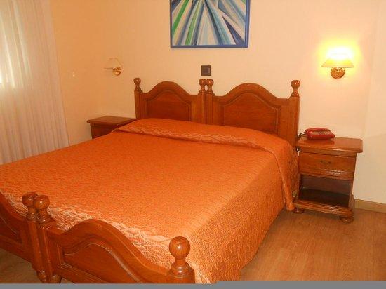 Hotel Victoria : letto matrimoniale