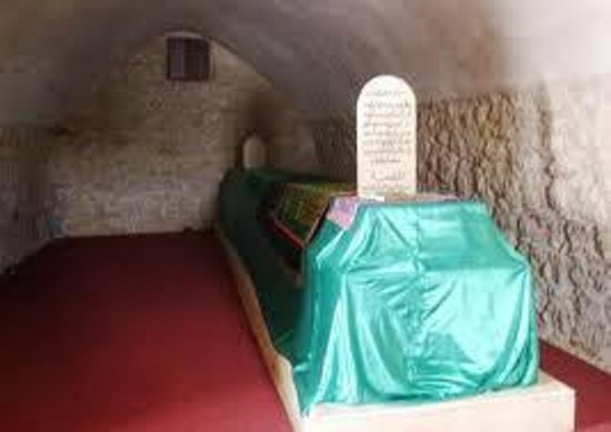 Al Salt, Jordanie : The shrine ( grave ) of prophet Joshua ...