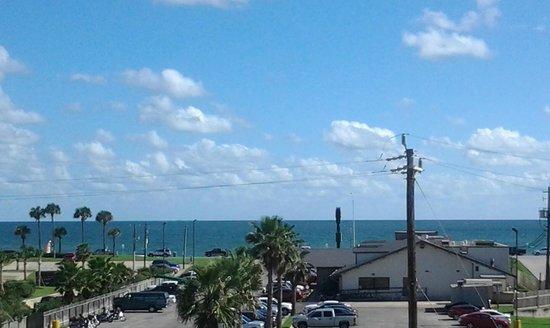 Baymont Inn & Suites Galveston : View from room