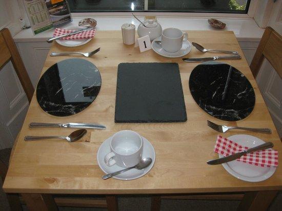 The Cartwheel Guest House : Breakfast room