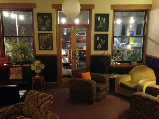 Alabama Hotel Hobart: The funky hip lounge
