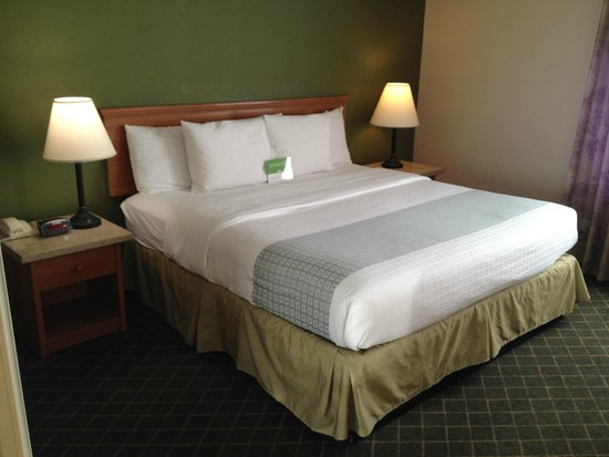 La Quinta Inn & Suites Portland Airport: Bed