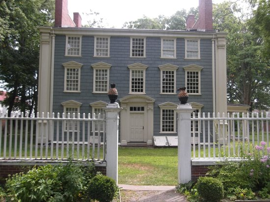 ‪Royall House and Slave Quarters‬
