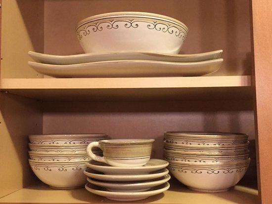 Ceramiche d'Arte Carmela: Beautiful handmade ceramics, top notch customer service!